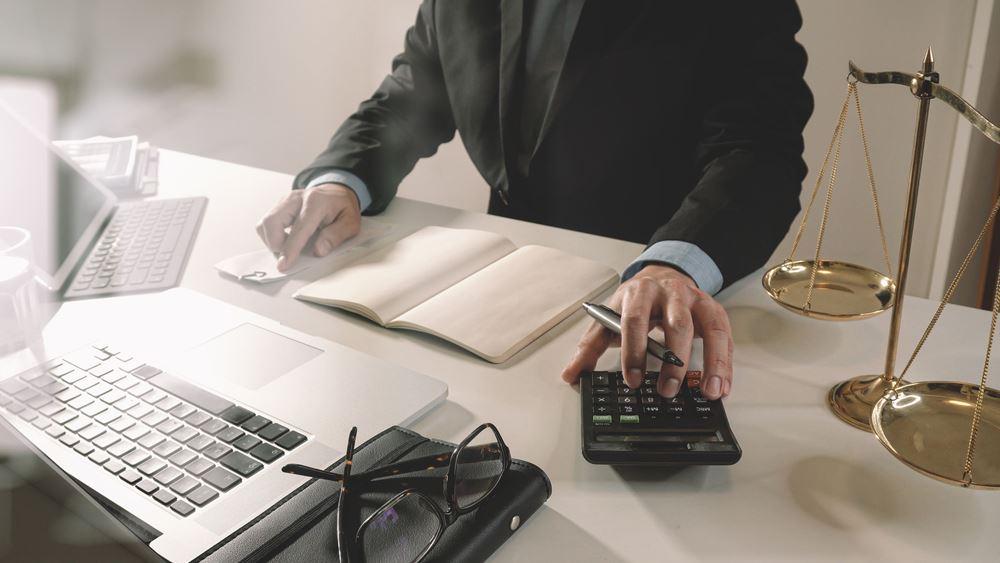 Ψαλίδι στην προκαταβολή φόρου και φέτος