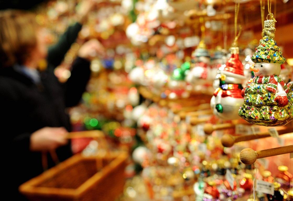 Έρευνα EY: Πώς η πανδημία διαταράσσει τις εορταστικές αγορές
