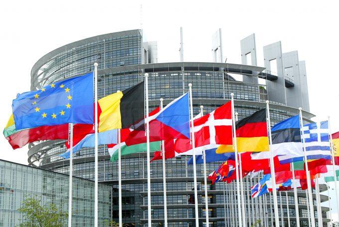 Άρση των ταξιδιωτικών περιορισμών ζητά η Ελλάδα από την Ε.Ε. για την επανεκκίνηση του Τουρισμού|Non paper της κυβέρνησης