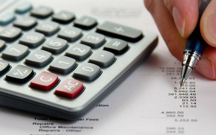 Χωρίς «ψαλίδι» η προκαταβολή φόρου για επιχειρήσεις και επαγγελματίες το 2021