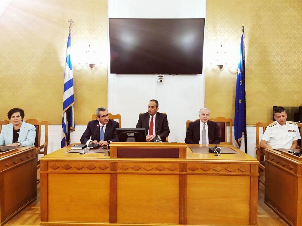 Στην Περιφέρεια Νοτίου Αιγαίου ο Υπουργός Ναυτιλίας - Σύσκεψη με τοπικούς φορείς
