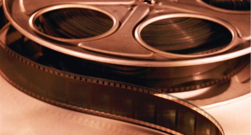 Κινηματογραφικές προβολές στην βιβλιοθήκη Ανωμερίτη