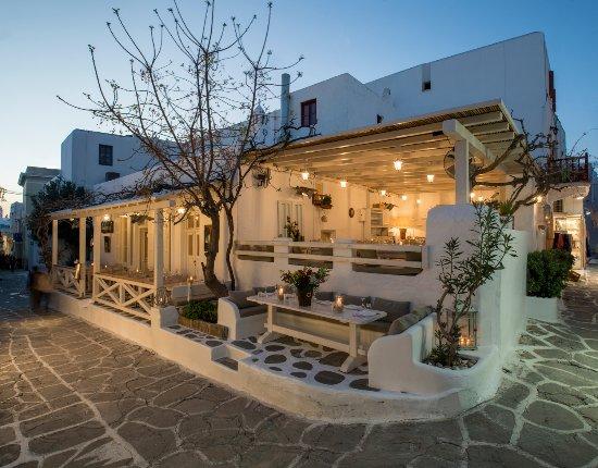 Εστιατόριο της Μυκόνου στα 10 καλύτερα πολυτελή στην Ελλάδα για το 2021
