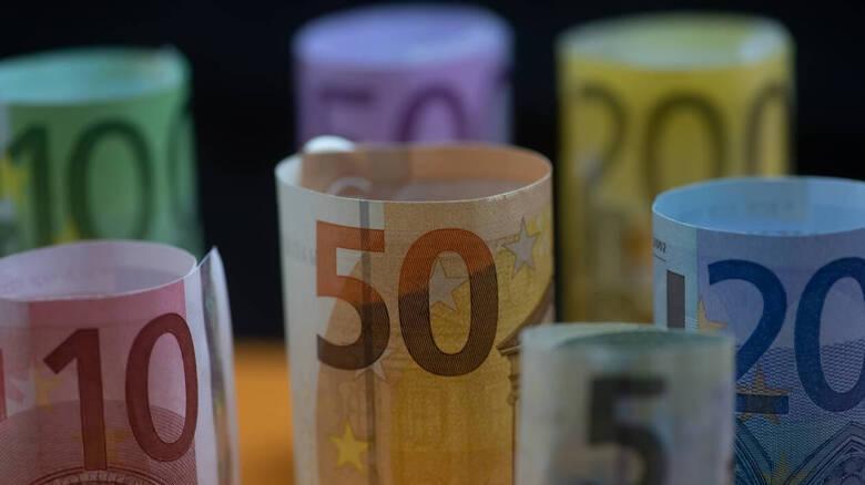 Κορωνοϊός: Οι 160.000 νέοι δικαιούχοι του επιδόματος των 800 ευρώ