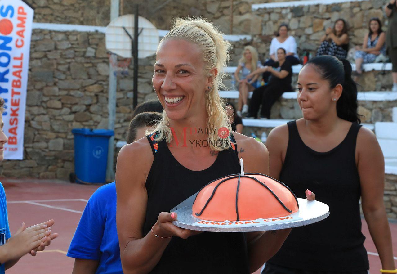 Όλγα Χατζηνικολάου: Χάρηκα πάρα πολύ που συμμετείχα στο «1o Mykonos Basketball Camp»
