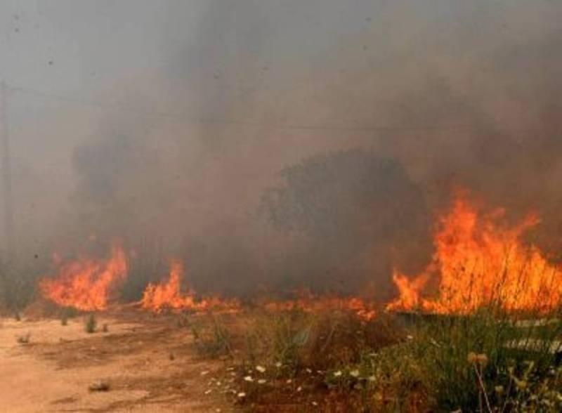 Πυρκαγιά βρίσκεται σε εξέλιξη από το πρωί στη Σέριφο