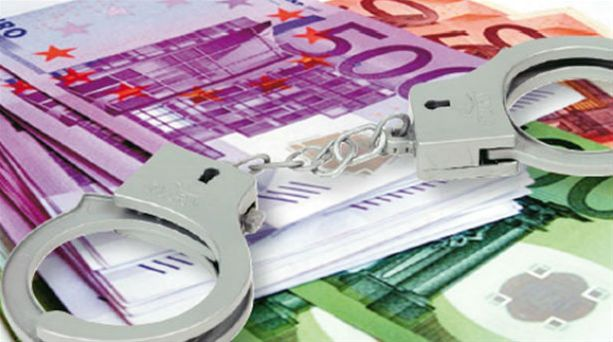 Συλλήψεις για οφειλές στο δημόσιο σε Σύρο και Ρόδο