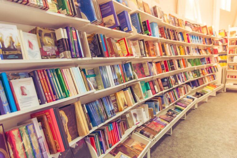 SMS στο 13033: Πώς πάμε σε βιβλιοπωλεία και σούπερ μάρκετ – Πώς θα μετακινηθούμε για το γιορτινό τραπέζι