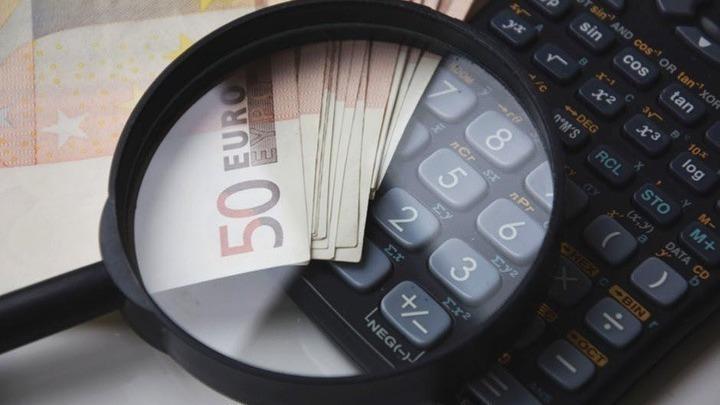 Πίεση από τους θεσμούς για να εξοφλήσει το Δημόσιο τα χρέη προς ιδιώτες