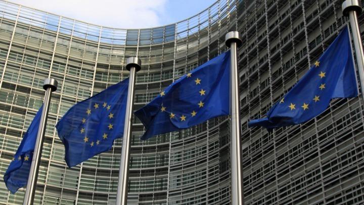 Η Ευρώπη σε αυτοπεριορισμό, η ΕΚΤ βγάζει το μπαζούκα