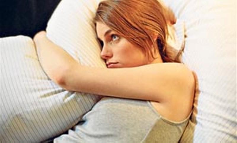4 μύθοι ύπνου που μας ξαγρυπνούν