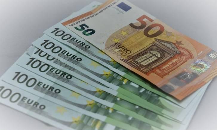 «Μπαράζ» πληρωμών τη Μεγάλη Εβδομάδα - Ποιοι θα δουν χρήματα στο λογαριασμό τους μέχρι την Μεγάλη Παρασκευή