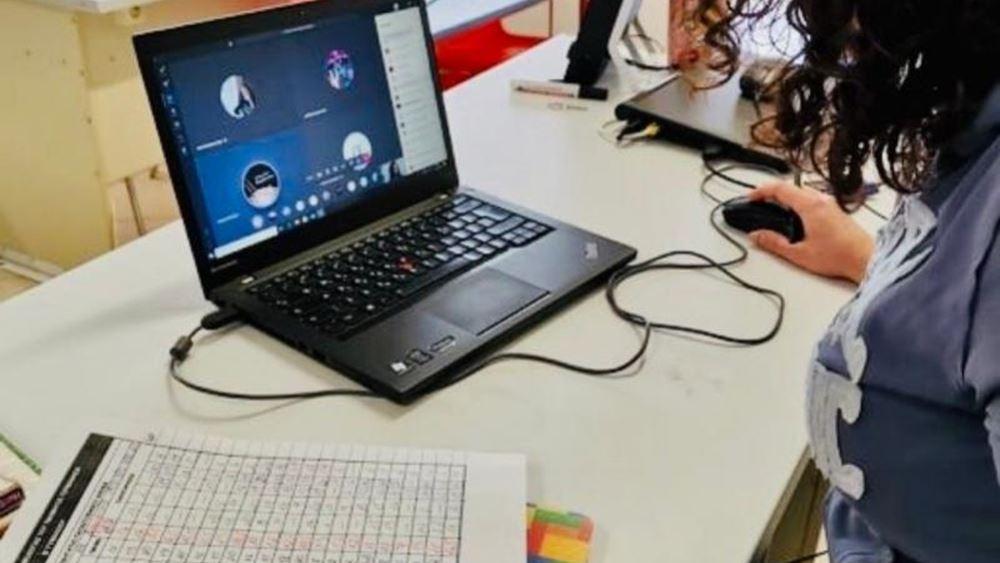 Με κυβερνητική απόφαση Tablets και ίντερνετ στους μαθητές για τηλεκπαίδευση