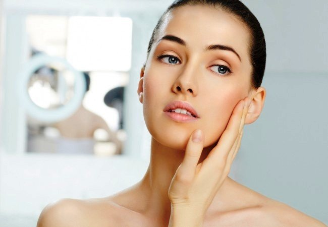 Δείτε ποιες είναι οι 10 συνήθειες που βλάπτουν το δέρμα μας