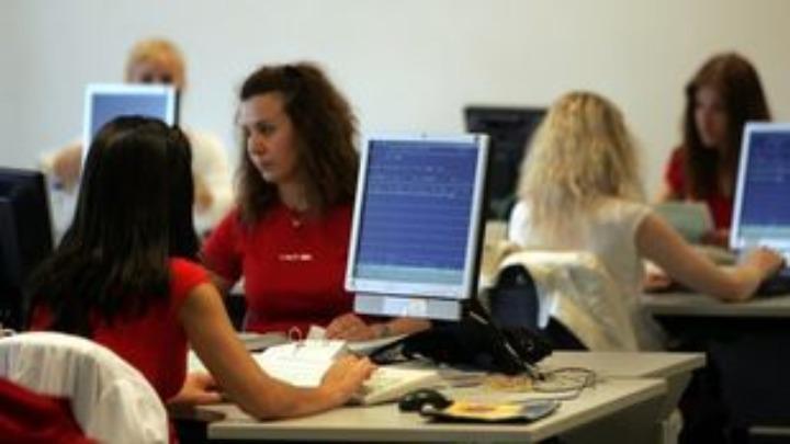 Σε λειτουργία η πλατφόρμα για το επίδομα των 800 ευρώ στους εργαζόμενους