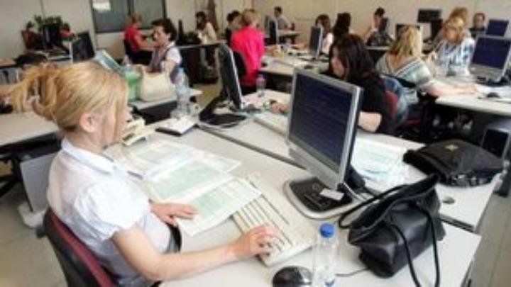 Στις 37.000 οι αιτήσεις των εργαζομένων για τα 800 ευρώ