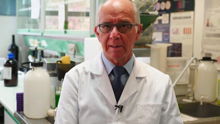 Α. Μεντής για Covid-19: Ελπιδοφόρα μηνύματα για καλύτερες θεραπείες και ίσως εμβόλιο από το φθινόπωρο (βίντεο)