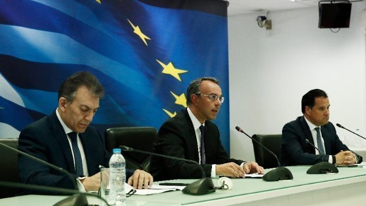 Επίδομα 800 ευρώ σε 1,7 εκατ. εργαζόμενους, στήριξη 800.000 επιχειρήσεων και 700.000 επαγγελματιών