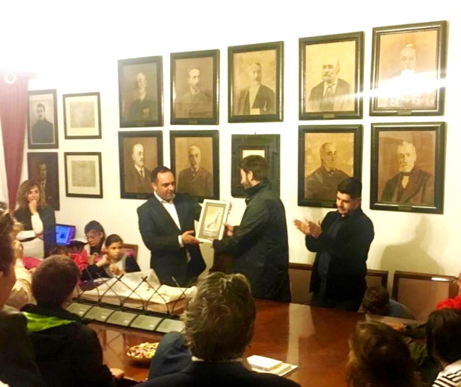 (ΦΩΤΟ) Η Μύκονος υποδέχθηκε τον πρώτο Ευρωπαίο πολίτη π. Αντώνιο και την Κιβωτό του Κόσμου