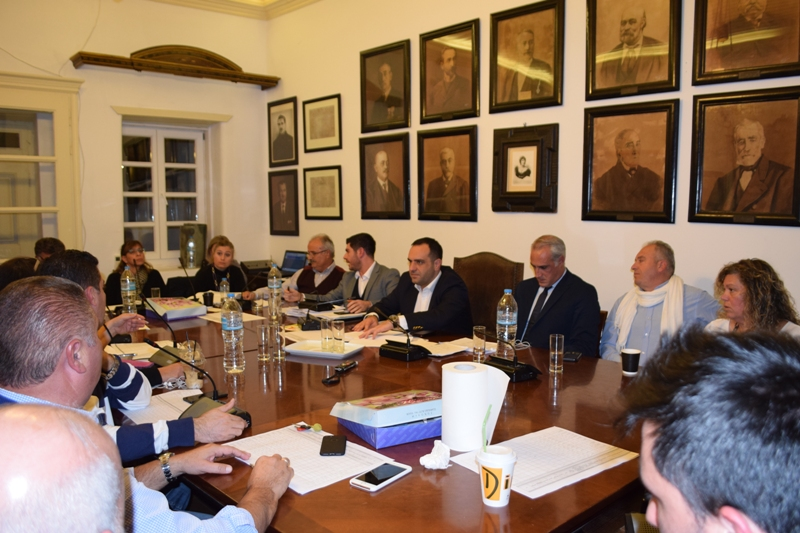 Στιγμιότυπα από την συζήτηση για τις κλοπές στο Δημοτικό Συμβούλιο Μέρος Α'