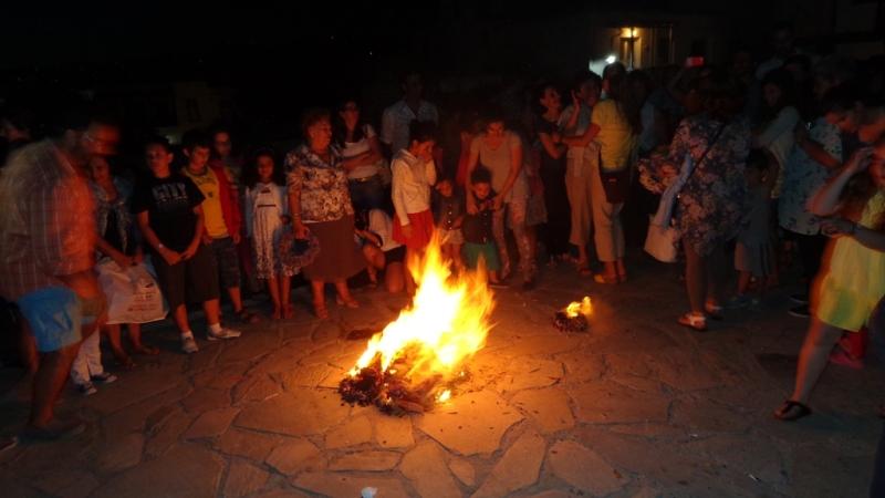 Την Τρίτη ανάβουν οι φωτιές για τον Κλήδονα
