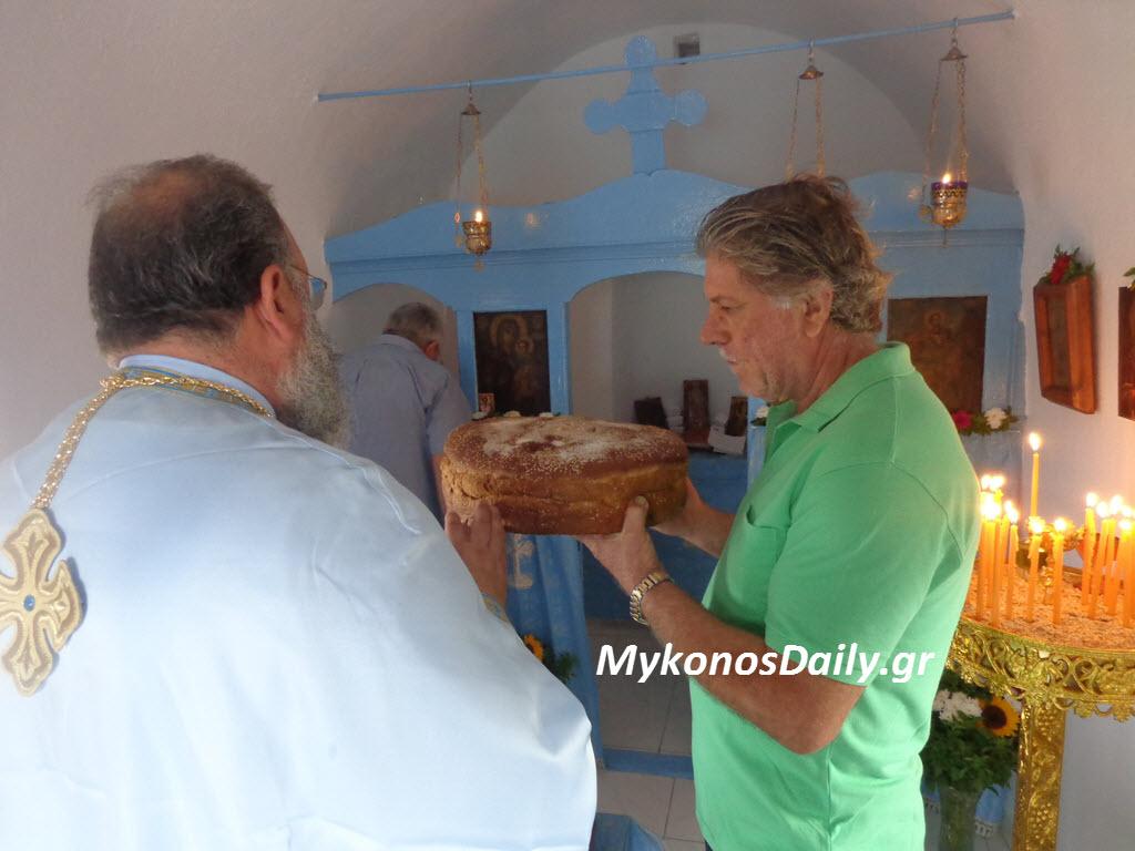 Λειτουργία στο παρεκκλήσι του Αγ. Ευσταθίου στο Δραφάκι