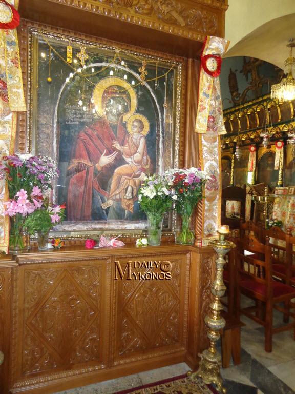 Στη Μύκονο ο Μητροπολίτης Δωρόθεος για τον εορτασμό της Παναγιάς Γοργοϋπηκόου (δείτε φωτό)