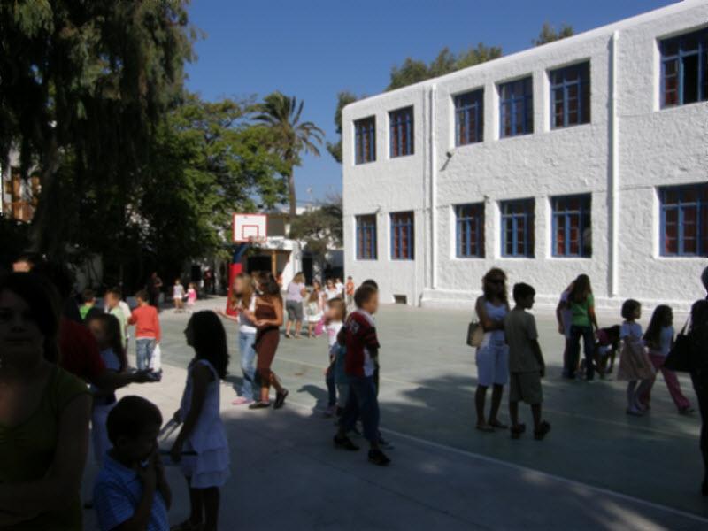 Επίθεση με καρέκλα δέχθηκε από γονέα διευθυντής δημοτικού σχολείου στη Βέροια