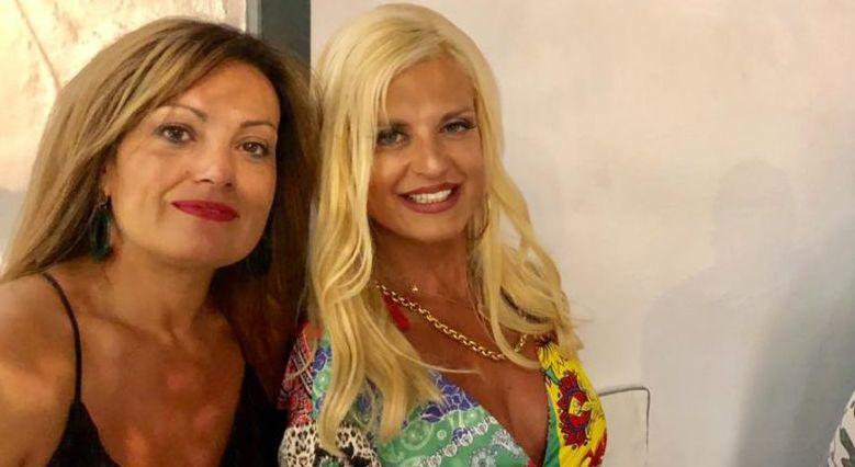 Μαρίνα Πατούλη: Λαμπερή και chic στα Ματογιάννια της Μυκόνου! (pics)