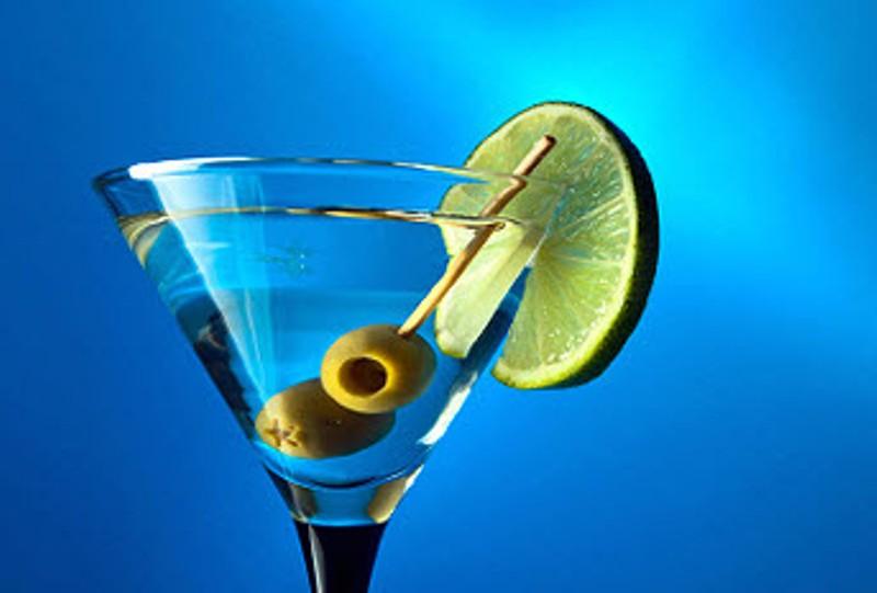 Be James Bond for a day! Για την Παγκόσμια Ημέρα Μαρτίνι απολαύστε ένα αυθεντικό Dry Martini – Δείτε την συνταγή