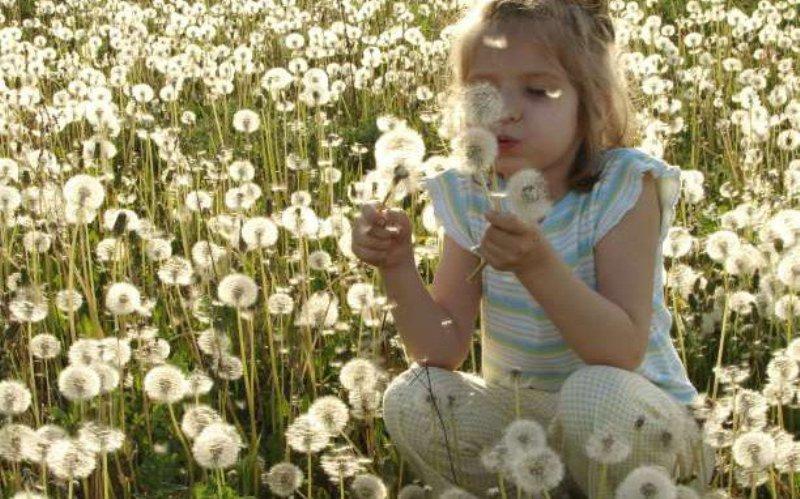 Πώς να μάθετε στα παιδιά να σκέφτονται θετικά