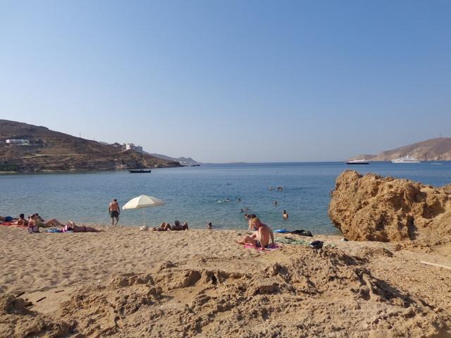 Πέντε παραλίες της Μυκόνου στον κατάλογο με τις 15 καλύτερες του Travel - Leisure