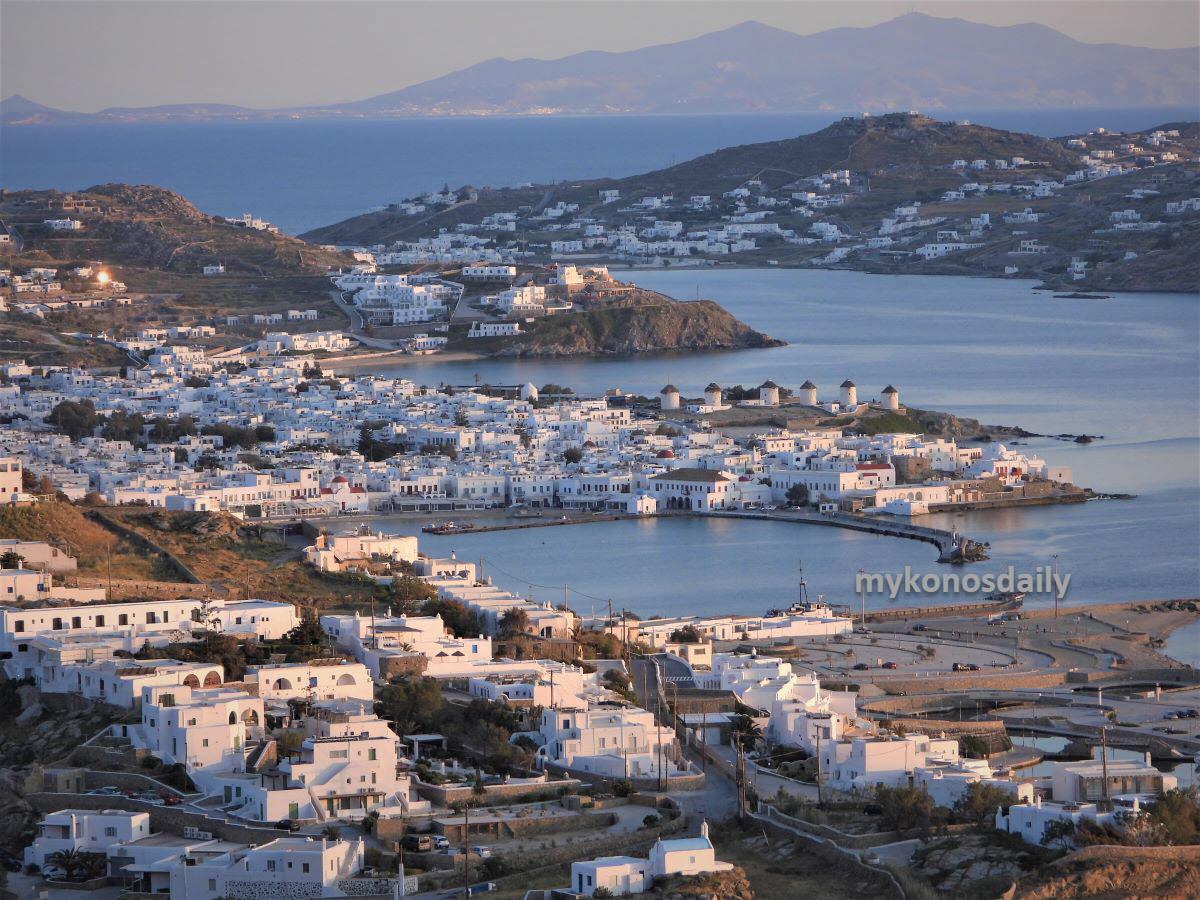 Telegraph: Η Μύκονος και η Δήλος στα 15 καλύτερα Ελληνικά νησιά για διακοπές των Βρετανών το 2021