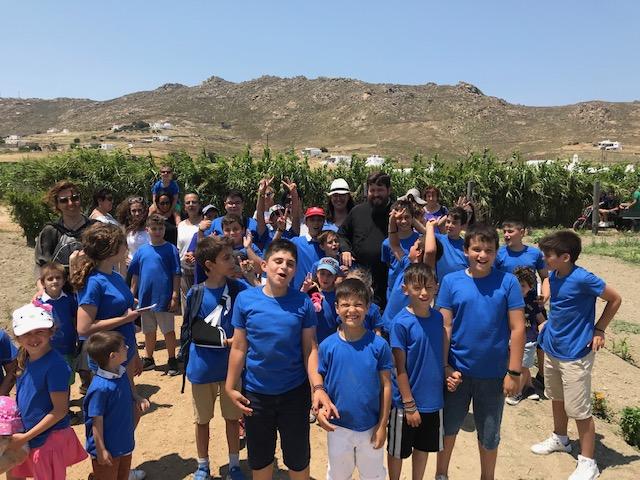 Επίσκεψη του κατηχητικού σχολείου Άνω Μεράς σε αγροτικές μονάδες του νησιού