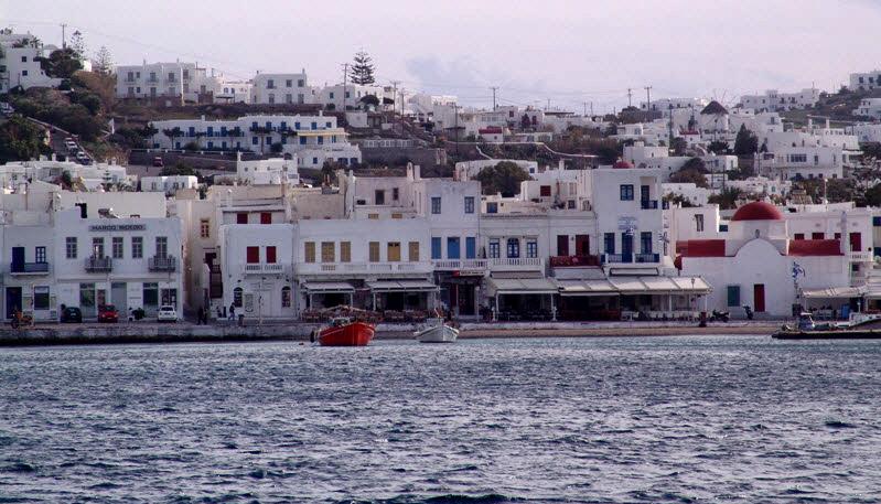«Πρωταθλητές» του τουρισμού Μύκονος, Σαντορίνη και Κρήτη