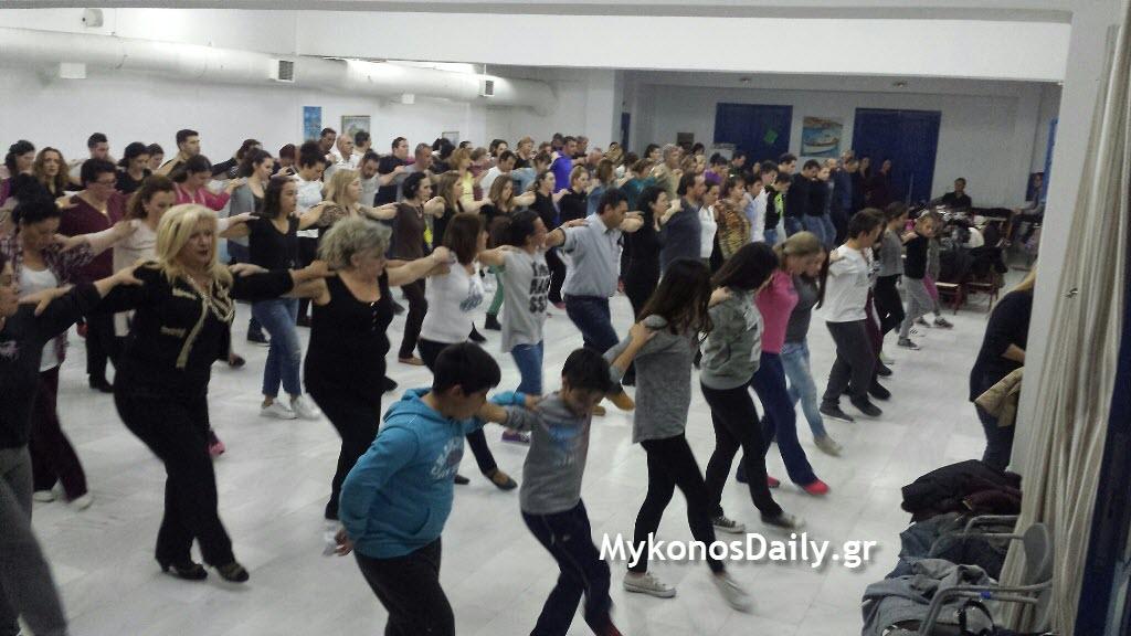 Μύκονος: Στην τελική ευθεία οι πρόβες για τη γιορτή του χασάπικου