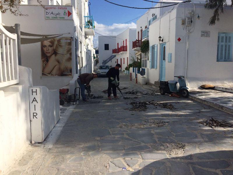 Ανακοίνωση Δήμου Μυκόνου: Κλείστός για 24 ώρες ο δρόμος προς τους Μύλους
