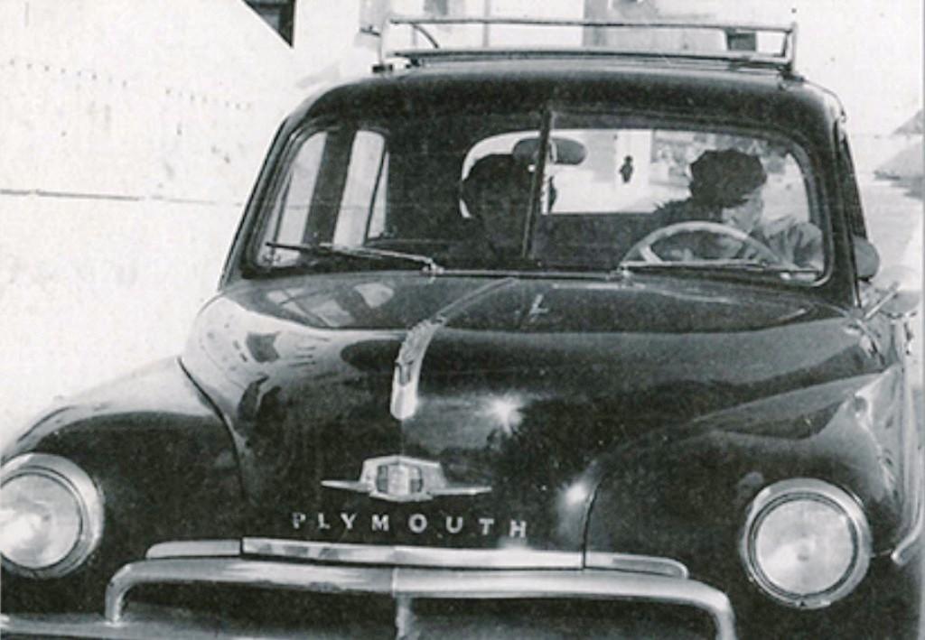 FLASH BACK: Το ΠΡΩΤΟ ταξί της Μυκόνου σχεδόν 60 χρόνια πριν...
