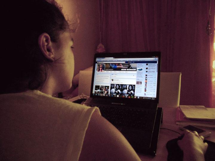 Εθισμένοι με το Ίντερνετ οι έφηβοι στην Ελλάδα