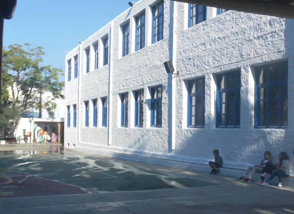 Την άμεση κάλυψη των κενών στα σχολεία ζητά με ψήφισμά του το Περιφερειακό Συμβούλιο