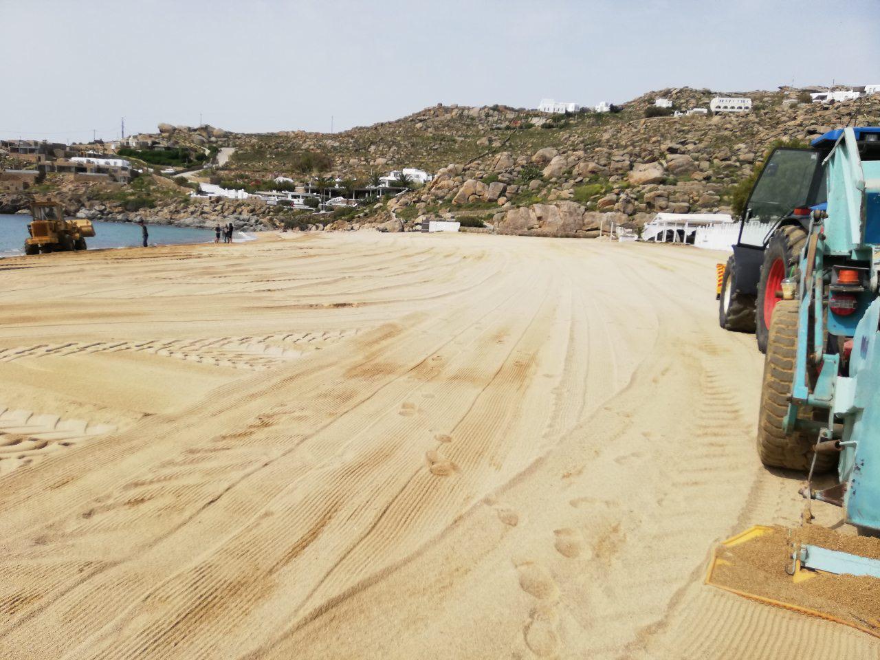 Έτοιμες οι παραλίες για να υποδεχθούν τους τουρίστες - Ολοκληρώθηκε ο καθαρισμός