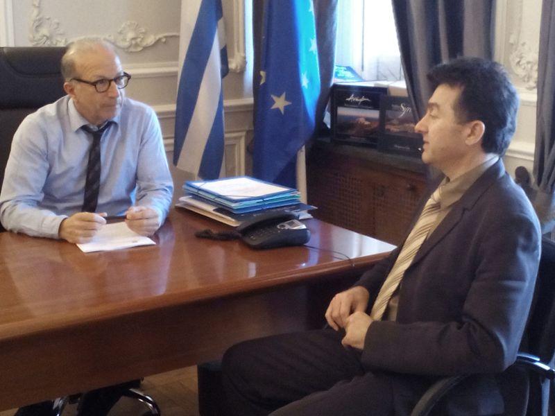 Η υποστελέχωση των αστυνομικών τμημάτων στο επίκεντρο της συνάντησης Λεονταρίτη με το νέο Αστυνομικό Δ/ντή Κυκλάδων