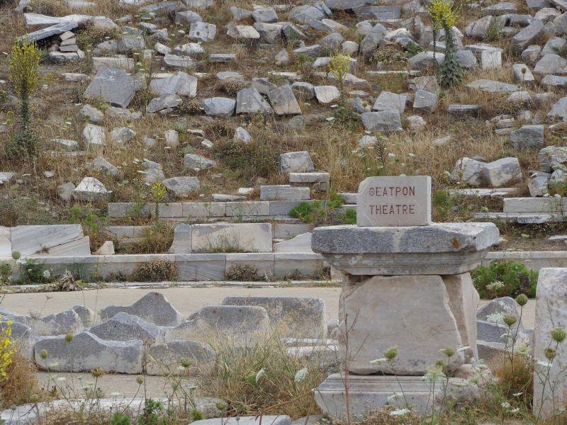 Θεατρική παράσταση στο Αρχαίο Θέατρο της Δήλου μετά από 2.000 χρόνια σιωπής