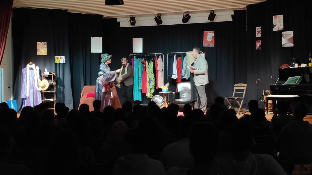 (φωτό)Η Παγκόσμια Ημέρα Θεάτρου στην Εκπαίδευση έφερε κοντά τη Θ.Ο.Μ. με μαθητές του Γυμνασίου