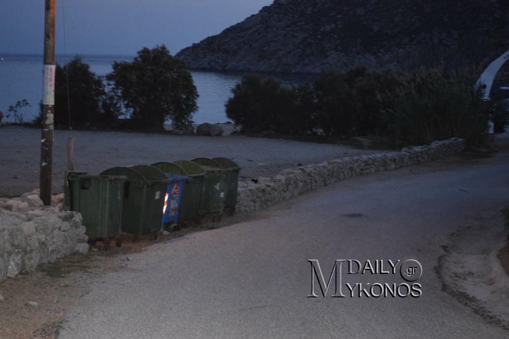 Σε συναγερμό οι κάτοικοι των Διβουνίων για να μην «κλείσει» η παραλία της Αγίας Άννας (Φωτογραφίες)