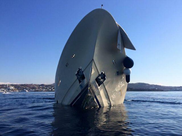 ΝΕΟ ναυάγιο πολυτελούς θαλαμηγού στη Μύκονο