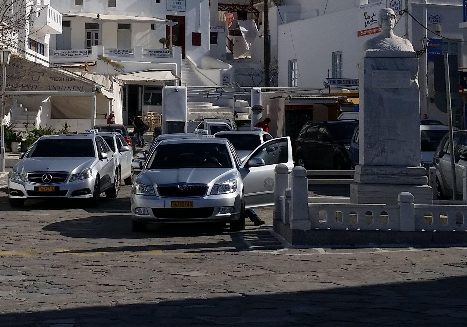 Νέες άδειες ταξί στις Κυκλάδες