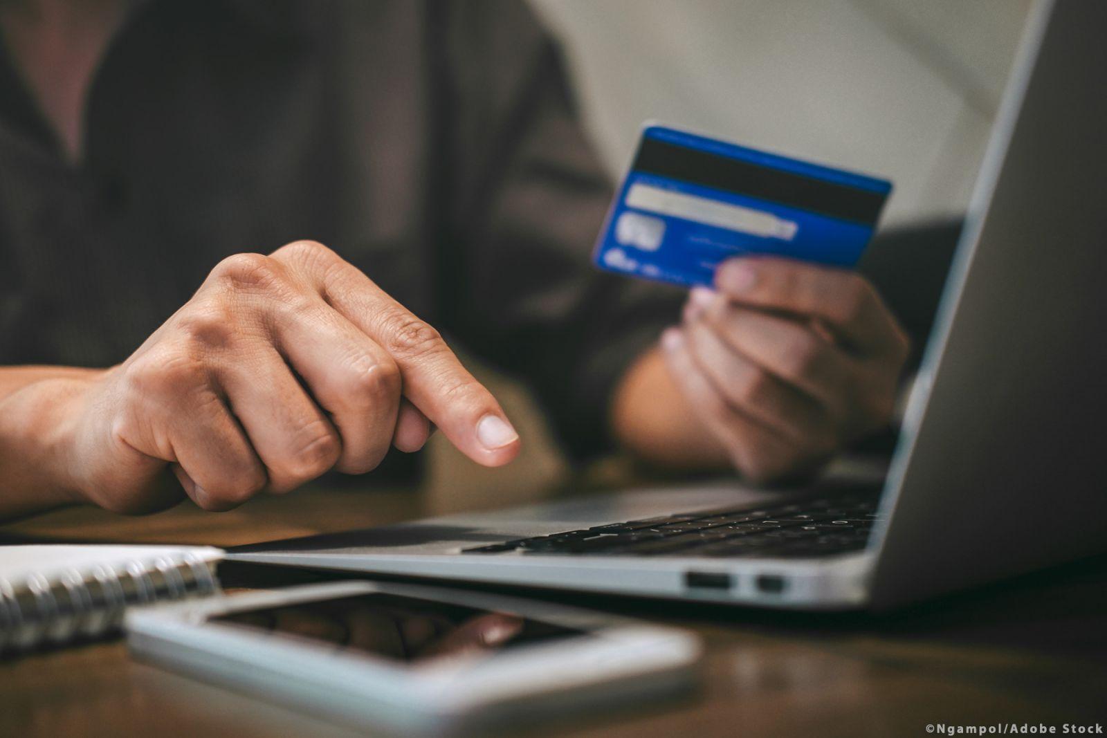 Πώς να προστατευτείτε από διαδικτυακές απάτες και αθέμιτες πρακτικές