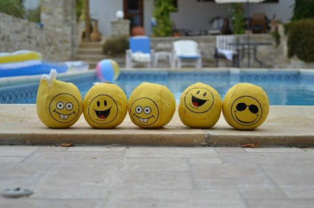 Γελάστε με την ψυχή σας! Θεραπευτική Γιόγκα γέλιου από το Mykonos Alternative Center