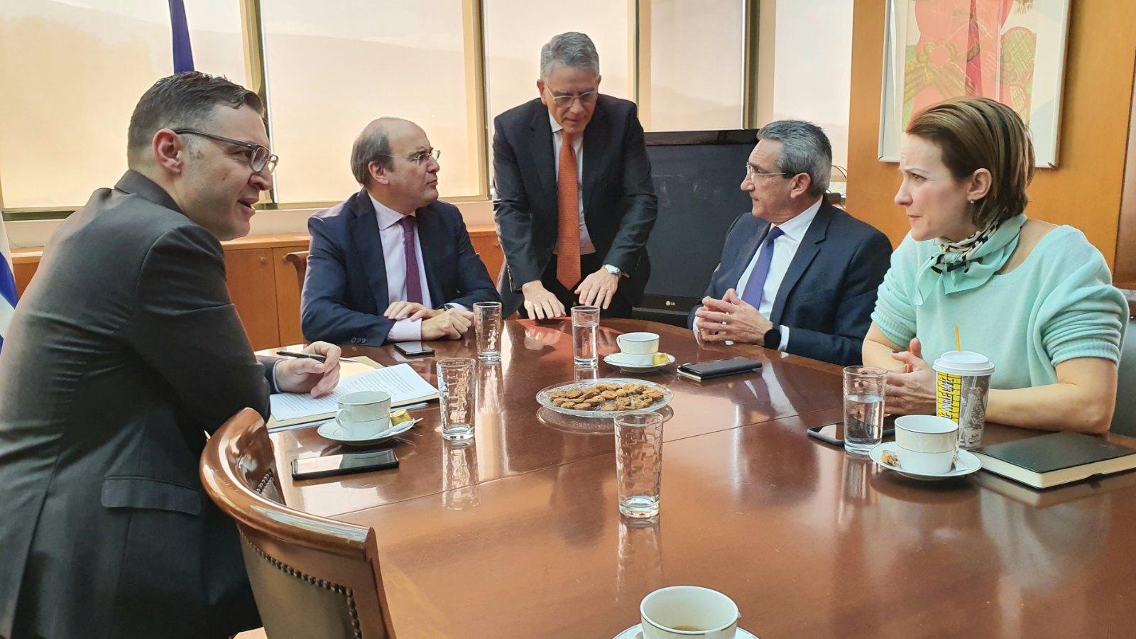 Άμεση αναθεώρηση του Ειδικού Χωροταξικού Πλαισίου των ΑΠΕ ζήτησαν ο Περιφερειάρχης Νοτίου Αιγαίου και ο Δήμαρχος Τήνου